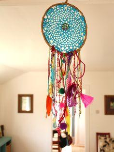 Lovely turquoise DIY dreamcatcher #boho #home #interior #bedroom