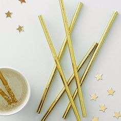 Ginger Ray Gold Foiled Shiny Party Celebration Metallic Paper Straws x 25 - Metallic Straw Hen Party Decorations, Birthday Table Decorations, Christmas Decorations, Gold Foil Paper, Metallic Paper, Metallic Gold, Paper Straws, Merry Little Christmas, Handmade Gifts