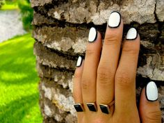Border Nails I'd like to try on my toes.