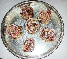 GOLDEN ROSES Golden Roses, Vegetables, Food, Tarts, Meal, Essen, Vegetable Recipes, Hoods, Meals