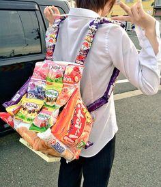 これは素敵!友達から貰った誕生日プレゼントの『お菓子のリュック』が傑作すぎる | COROBUZZ