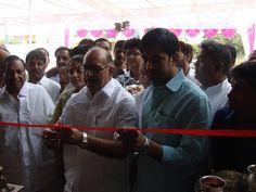 शुभ धनतेरस के दिन जगतपुरा स्थित व्यापारिक प्रतिष्ठान का का शुभारंभ किया। वहां के स्थानीय विधायक कैलाश वर्मा भाजपा जयपुर शहर के मंत्री अरुण शर्मा ने भी इस समारोह में शिरकत की।