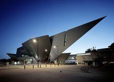Denver Art Museum from Daniel Libeskind Daniel Libeskind, Architecture Building Design, Museum Architecture, Modern Architecture, Concept Architecture, Amazing Architecture, Van Gogh Museum, Art Museum, World Trade Center
