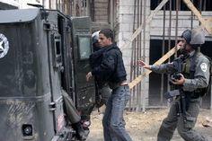 """قوات الاحتلال تعتقل 10 فلسطينيين بالضفة وكالات - PGFTU اعتقلت قوات من جيش الاحتلال """"الإسرائيلي"""" 10 فلسطينيين، خلال حملة دهم فجر اليوم الجمعة، في رام الله بالضفة الغربية. - لمزيد من التفاصيل : http://ithadpal.org/news.php?action=view=2487#sthash.x4p5nAoo.dpuf"""