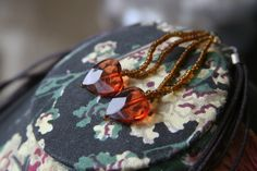 1980S AMBER HEART NECKLACE & EARRING SET
