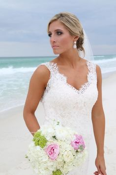 19 Best Wedding Bouquets For Your Florida Beach Wedding Images