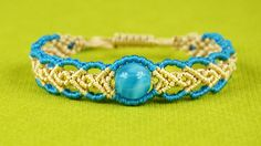Wavy Herringbone Bracelet in two colors with a bead - Tutorial
