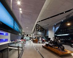 Honda BigWing showroom by Whitespace         -- ramp --