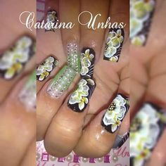 Unha diferente de Catarina Unhas. Different nail. Unã diferente. Unghie different.