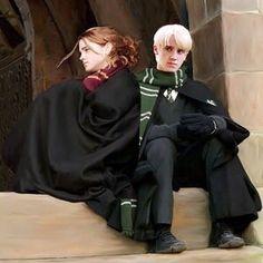 Draco Malfoy, Hermione Granger, Draco Harry Potter, Harry Potter Ships, Harry James Potter, Harry Potter Anime, Harry Potter Hermione, Harry Potter Facts, Harry Potter Characters