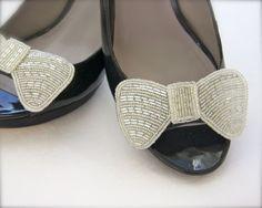 Beaded bow shoe clip