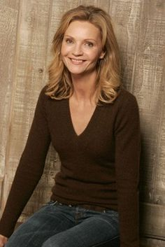 Joan Allen at event of The Upside of Anger