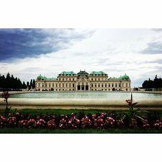 @halle924 's new summer crib in Vienna apparently. Invite me? #studyabroad #easterneurope #europe #travel