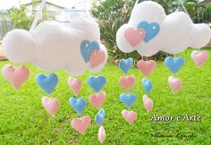 Móbile de Nuvens com chuva de corações Cloud Party, Wreath Boxes, Cakes For Women, Rainbow Theme, Pillow Box, Baby Shower Centerpieces, Baby Shower Cakes, First Birthdays, Diy And Crafts