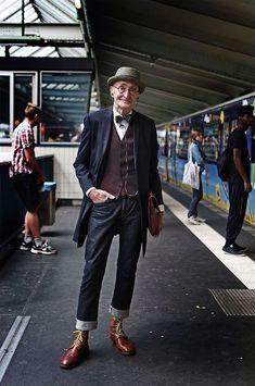 104歳のお爺ちゃんがそこらの若者よりお洒落でイケメンな件 Old Men Style, Hipster Men Style, Old Hipster, Hipster Man, Hipster Fashion, Hipster Clothing, Old Fashion, Timeless Fashion, Older Mens Fashion