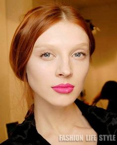 pink lips make-up for red hair