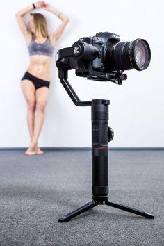 Трехосевой стабилизатор для фотокамер Zhiyun-Tech Crane 2