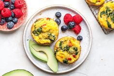 Spinach and Red Pepper Muffin-Tin Frittatas Recipe Ginger Peanut Sauce, Curry Chicken And Rice, Cooking Avocado, Pasta Plus, Crushed Potatoes, Low Fodmap, Fodmap Diet, Fodmap Foods, Low Carb