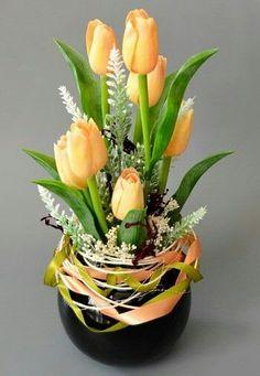 Easter Flower Arrangements, Vase Arrangements, Beautiful Flower Arrangements, Romantic Flowers, Floral Centerpieces, Tulips Flowers, Faux Flowers, Flower Vases, Spring Flowers