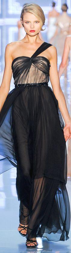 Christian Dior ❤ #highfashion #inspiration #moderndesign luxury design, luxury, fashion. Visit www.memoir.pt