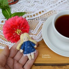 40 отметок «Нравится», 1 комментариев — Куклы 🌸броши🌸Людмила Клименко (@ludmila_klimenko) в Instagram: «С понедельником, с началом новой недели 🍵💕!!! Сегодня покажу вам свободную маленькую куклену всего…»