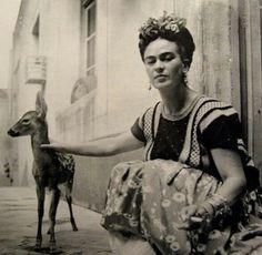 Se dice que Frida amaba mucho a los animales... entre sus favoritos estaban los venados