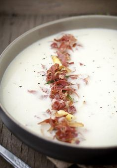 Asparagus soup with pancetta and rosemary I Love Food, Good Food, Yummy Food, Wine Recipes, Soup Recipes, Xmas Recipes, Recipes Dinner, Crockpot Recipes, Chicken Recipes