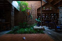 Natural Light and Ventilation: 17 Remarkable Interior Courtyards,© Quang Dam