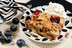 Blueberry Bread Pudding, Bread Pudding With Croissants, Biscuit Pudding, Croissant Bread, Blueberry Recipes, Bread Puddings, Baking Recipes, Cake Recipes, Dessert Recipes