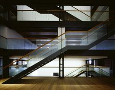 Atrium mit Treppe Fotograf: Klaus Frahm - international maritime museum hamburg