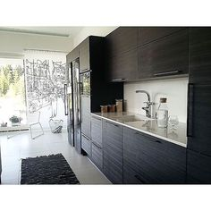 #keittiö #kitchen #puustelli #puustellikeittiö #black #white #blackkitchen #sisustus #decor #interior #kök