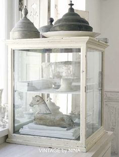 ❥ vintage by nina~ antique display case <3