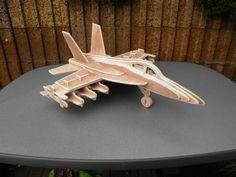 #Kampfflugzeug aus #Holz