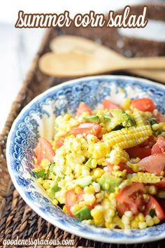 Summer Corn Salad- SO good with fresh summer corn and garden tomatoes. Simply a perfect summer side dish!