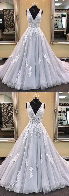 I would like this at tea length. Beautiful detail #promdresseslong