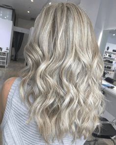 16 Ash Blonde Hair Highlights Ideas For You Dark Ash Blonde, Ash Blonde Hair, Dark Hair, Blonde Hair With Highlights, Hair Color, Long Hair Styles, Image, Beauty, Women