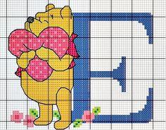 #Monograma Ursinho Pooh - letra E #bordado #CoatsCorrente