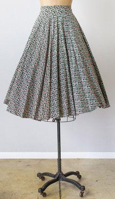 vintage 1950s black tiny floral print circle skirt | #vintage #1950s #vintageskirt