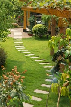 50 Easy Garden Path Ideas You Can Build Yourself To Complement Your Backyard Easy Garden, Summer Garden, Garden Ideas, Garden Boxes, Garden Crafts, Winter Garden, Diy Crafts, Beautiful Landscapes, Beautiful Gardens