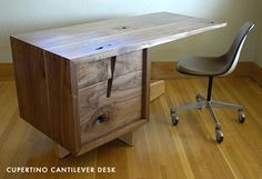 The simple and chic Cupertino Cantilever desk