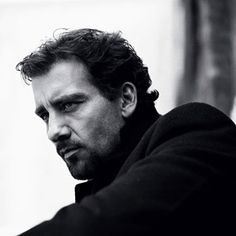 Clive Owen...dark, brooding, mysterious.