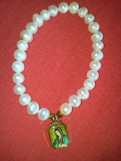 Pulsera perla de rio, virgen de Guadalupe