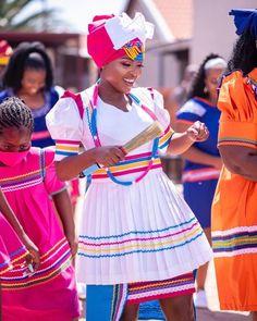 Pedi Traditional Attire, Sepedi Traditional Dresses, African Fashion Traditional, Traditional Wedding, Latest African Fashion Dresses, African Dresses For Women, African Print Fashion, African Attire, African Prints