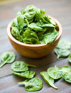 Up your daily intake of calcium with added serves of leafy greens. Move over milk and cheese, veggies like spinach and broccoli are also a great way to boost bone and muscle health. Get Healthy, Healthy Life, Healthy Eating, Healthy Weight, Eating Clean, Healthy Foods, Martine Fallon, Spinach Apple Salad, Baby Spinach
