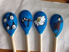 Meg and Mog wooden spoon puppets for retelling the story. EYFS and KS1