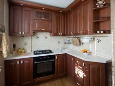 Дизайн угловой кухни 6 кв.м. из массива дуба с патиной Kitchen Sink Design, Interior Design Kitchen, Kitchen Cupboard Doors, Kitchen Cabinets, Kitchen Furniture, Home Furniture, Brown Kitchens, Interior Accessories, Countertops