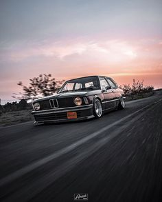 Bmw 525, Bmw Museum, E30, Bmw Cars, Cars And Motorcycles, Iron, World, Classic, Autos