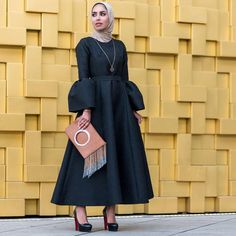 Hijab Evening Dress, Hijab Dress Party, Hijab Style Dress, Evening Dresses, Abaya Fashion, Muslim Fashion, Modest Fashion, Fashion Dresses, Women's Fashion