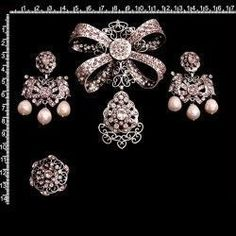 Aderezo 242, ligth amatista, plata óxido. Brooch, Floral, Rings, Vintage, Jewelry, Spain, Wedding, Fashion, Kuchen