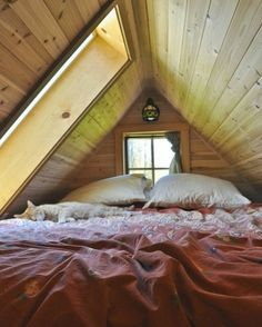 Attic bedroom Via moon to moon blogspot #teenyspaces by teenyspaces